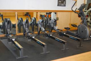Why should college gyms be open 24 hours?