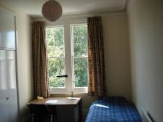 8 Bradmore Road Room